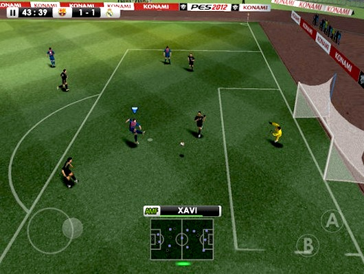 pes 2012 iphone ipad 1 PES Pro Evolution Soccer 2012 iPhone iPad iPod Touch (gratuit)