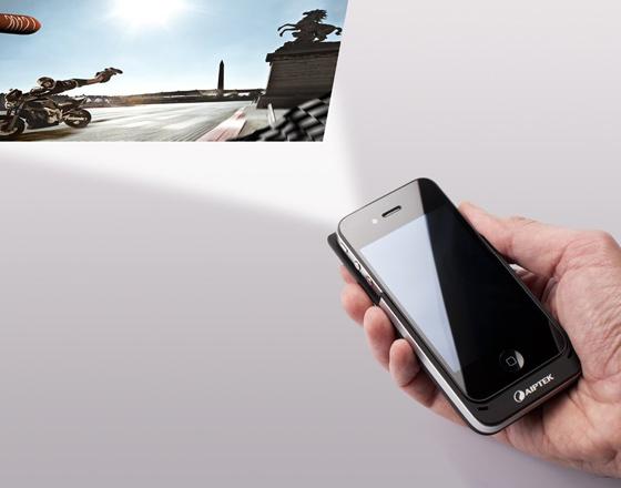 Coque iPhone MobileCinema i15 avec Picoprojecteur et Batterie ...