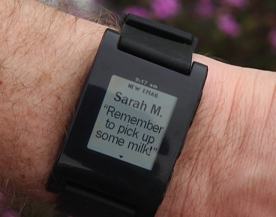 Pebble Watch Montre iPhone 2 Pebble Watch : Une Montre pour Contrôler votre iPhone