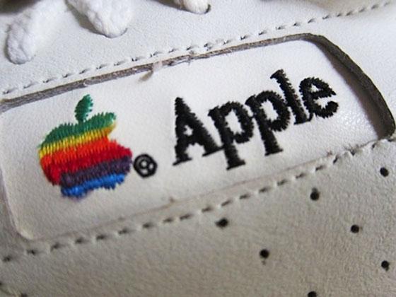 4 vintage apple sneakers baskets retro - Authentiques Baskets Apple Computer 1990 (images)