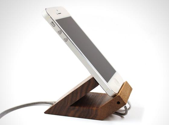 Wood-UP-Beat-iPhone-Dock-Bois-1