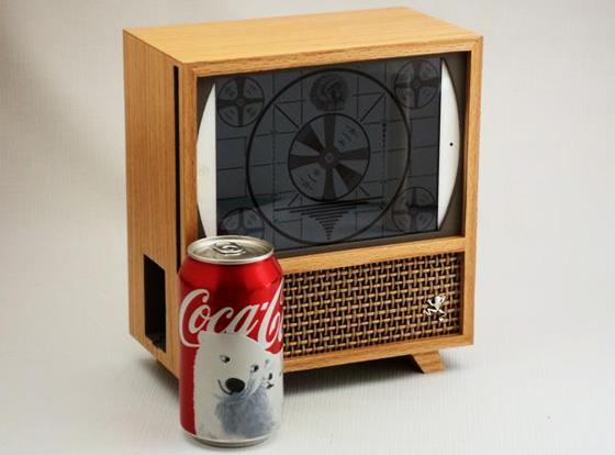 Wooden-iPad-mini-Transformer-Bois-Televiseur-Retro-1