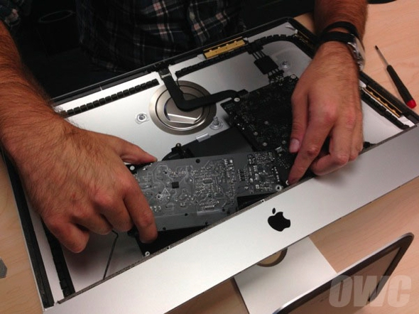 demontage-imac-21-5-low-cost-2014-09