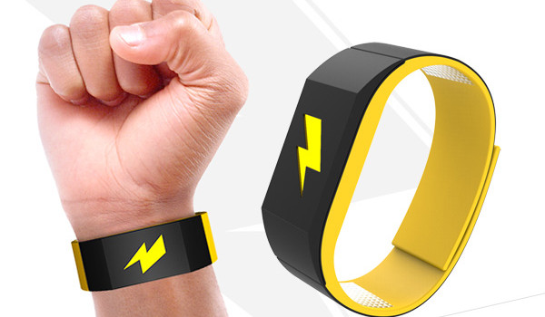Pavlok-Bracelet-Connecte-Developpement-Personnel-iOS-Android-1