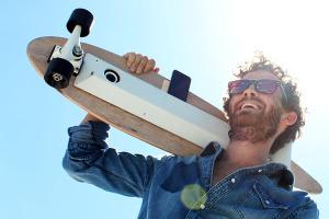 Chargeboard-Skateboard-Dynamo-Rechargeur-iPhone-1
