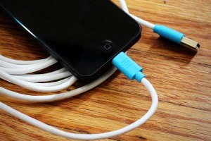 cable-lightning-iphone-ipad-ipod-touch-stacksocial-1