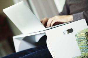 lapdeck-support-carton-macbook-portable-1