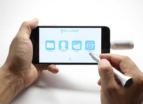 me pen stylet cle usb ipad pro iphone 3 - Stylet 2 en 1 avec Mémoire 32 Go pour iPad et iPhone (vidéo)
