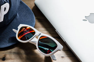 zungle lunettes soleil connectee kit pieton iphone 2 331x219 - Les Lunettes de Soleil Connectées pour Téléphoner sont Disponibles (video)