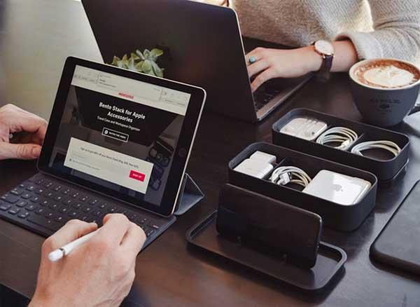 bento stack boites accessoires apple iphone 1 - Cette Petite Boite Peut Ranger tous vos Accessoires Apple (video)