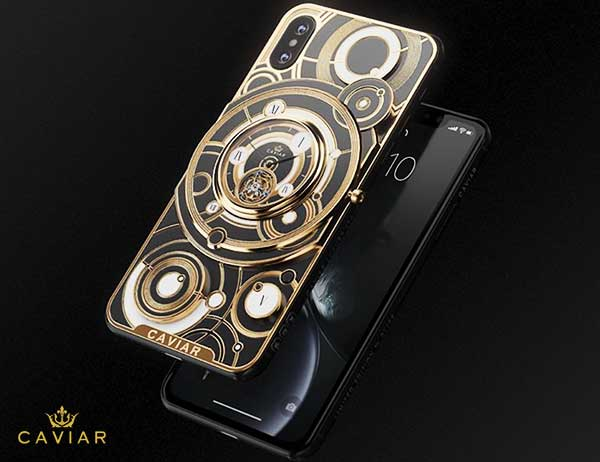 iphone xs montre grand complications tourbillon 1 - Caviar Met une Montre Tourbillon au dos de l'iPhone XS (video)