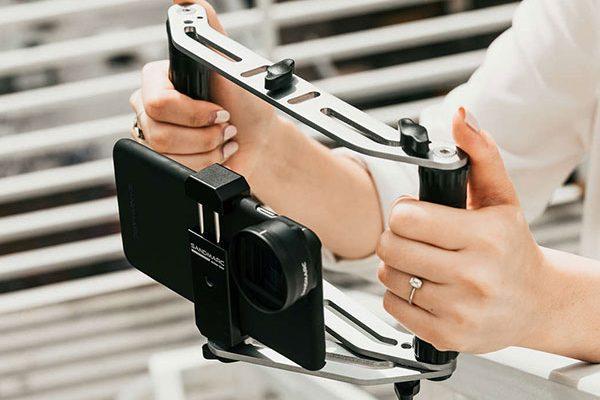 sandmarc film rig stabilisateur iphone smartphone maxiapple 01 600x400 - SandMarc Film Rig, Stabilisateur Manuel pour iPhone (video)
